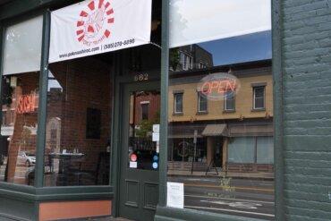 Exterior of Poké Sushi